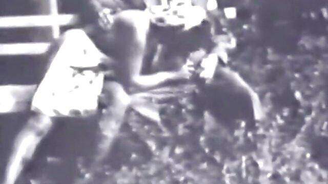 Enregistrement privé de bongacams chauds avec video x au cinema une fille informelle en train de se masturber