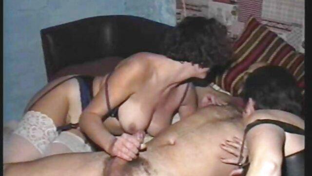 Blonde séduisante film porno hongrois se baise dans un chaturbate privé