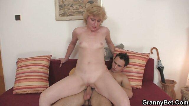 Une très belle brune préfère film porno dorcel les hommes sensuels.