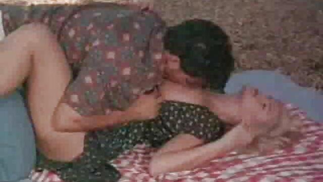 Le vieil homme baise anna polina film porno une jeune brune.
